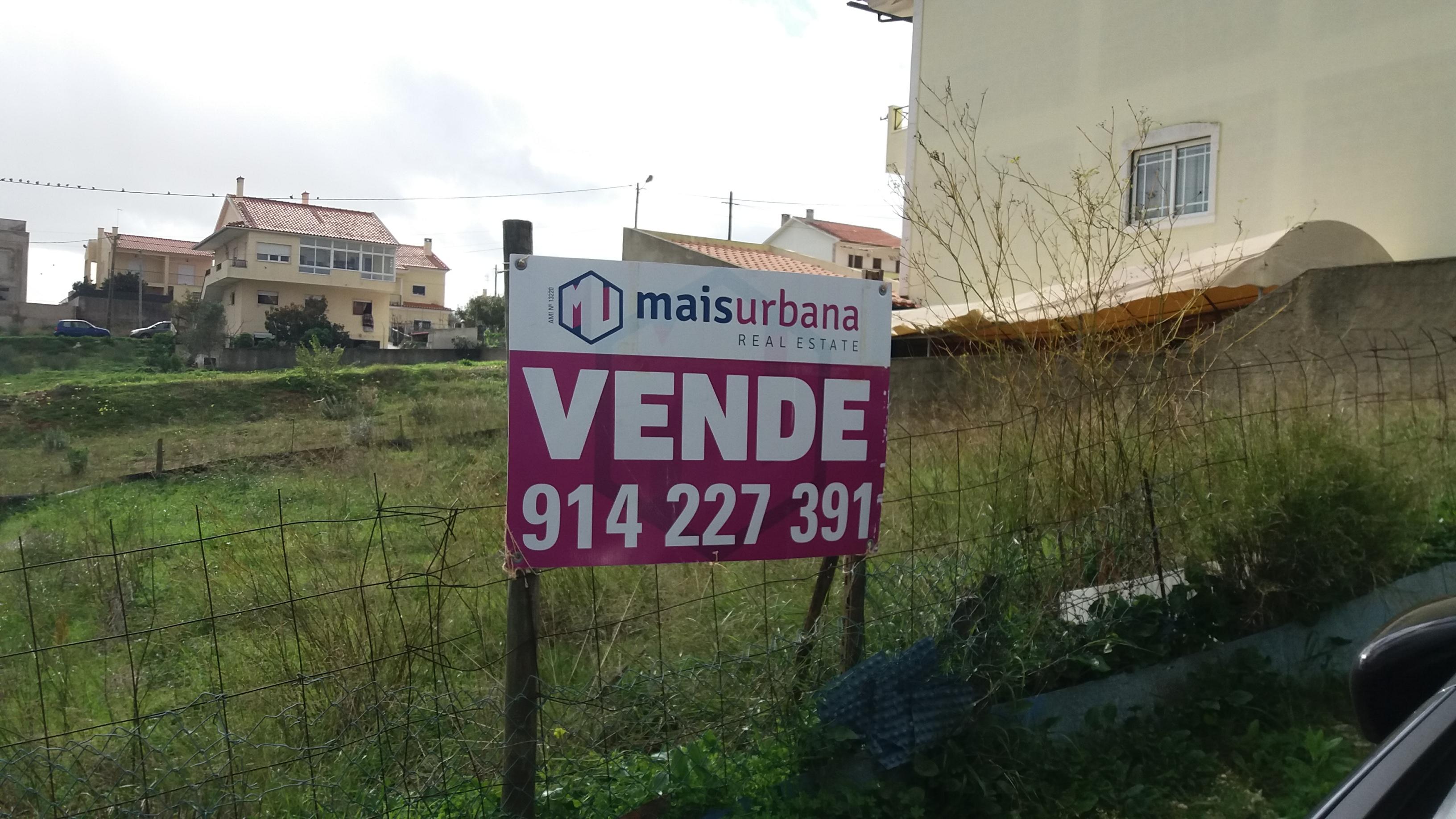 Terreno urbano licenciado-Póvoa de Santa Iria